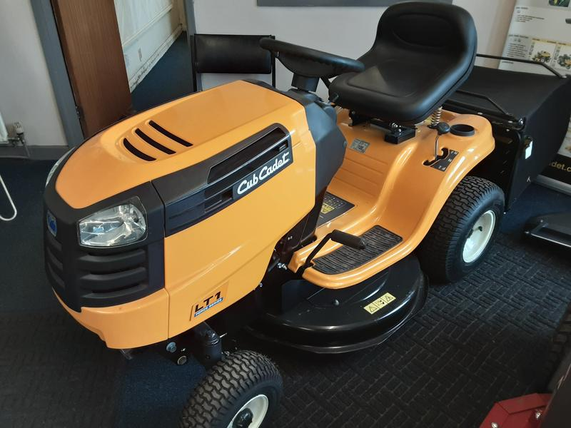 Cub Cadet LT1 Series ride on mower